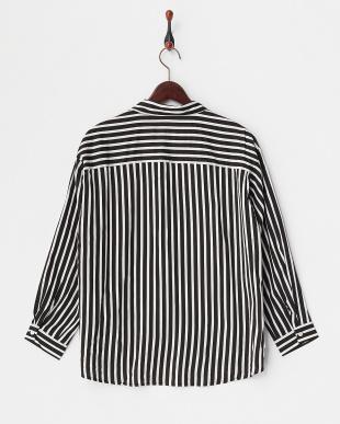 ブラック スキッパーシャツ WOMEN見る
