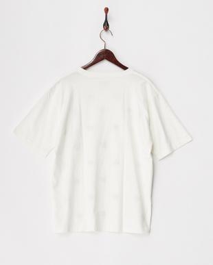 ホワイト系その他  フラワーエンブロイダリーTシャツ見る
