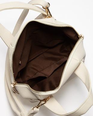 Ivory  半円型ハンドバッグ見る