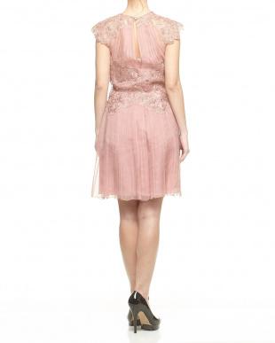 ピンク  刺繍レース シフォンプリーツドレス見る
