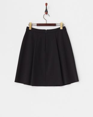 ブラック  タック入り台形スカート見る
