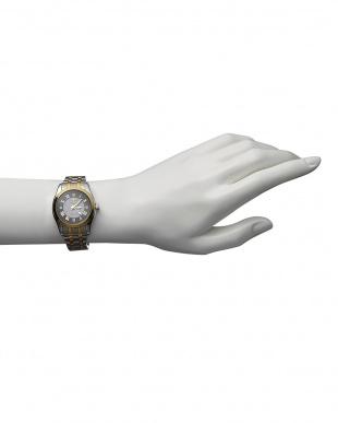 ゴールド/ブラック  ダイヤ付き ソーラー電波腕時計 096 WOMEN見る