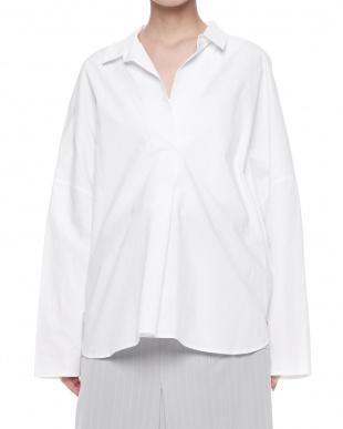 ホワイト  スキッパーシャツ見る