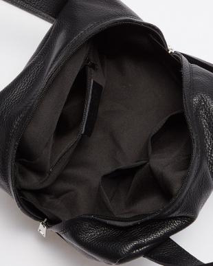 ブラック  キューブ型バッグ見る