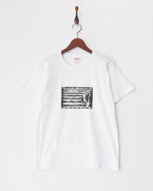 WHITE  G香里奈 限定Tシャツ (2)階段バージョン見る