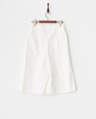 ホワイト  透け軽減素材使用・ミドル丈パンツ見る