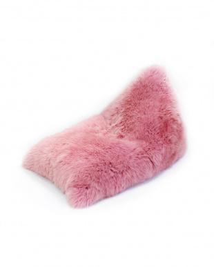 ピンク  長毛ムートンビーズクッション椅子見る