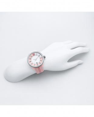 ピンク 腕時計見る
