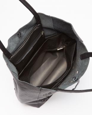 ブラック  カットワークレザートートバッグ見る