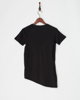 PUMA BLACK EVO サイドノット Tシャツ|WOMEN見る