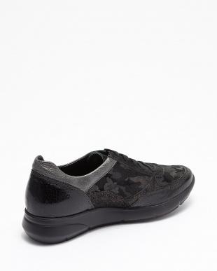 BLACK  DIANE スニーカー|WOMEN見る