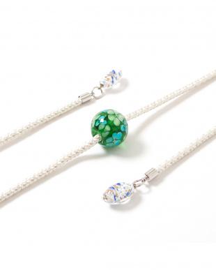 ホワイト/ブルーグリーン 花柄トンボ玉 飾り紐見る