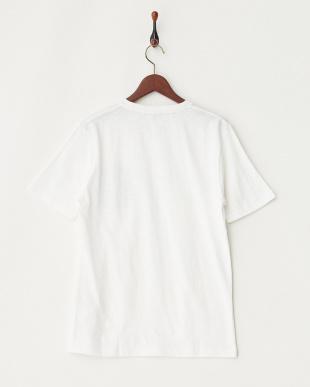 ホワイト  柄ポケットTシャツ見る