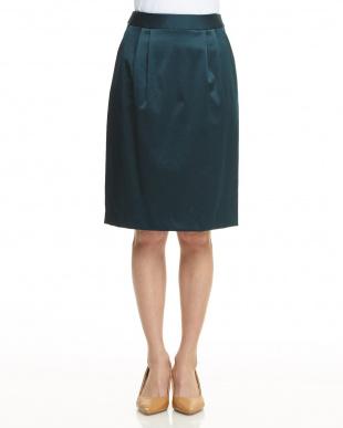 グリーン  サテン調タック入りスカート見る