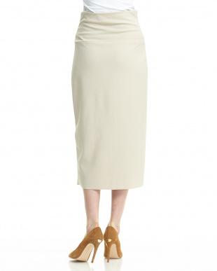 ベージュ  ウエスト切り替え入りタイトスカート見る