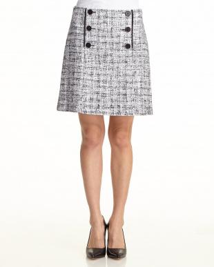 ホワイト×ネイビー ボタン装飾スカート見る