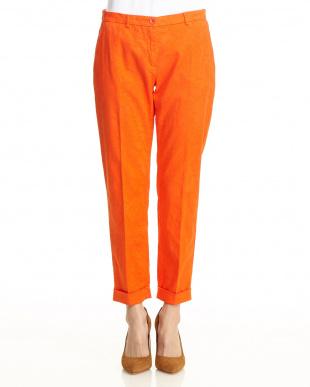 レッドオレンジ系 柄刺繍パンツ見る