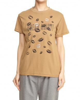 キャメル  リッププリントロゴTシャツ見る