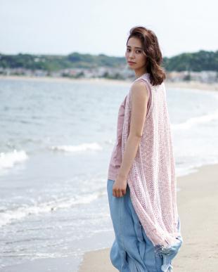 ピンク 透かし編みニットフリンジロングベスト ノースリTOP付|WOMEN見る