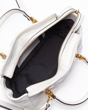 OPTIC WHITE  BENSON QUILTED SMALL TOTE見る
