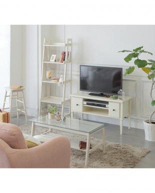 ホワイト ホワイト TV board見る