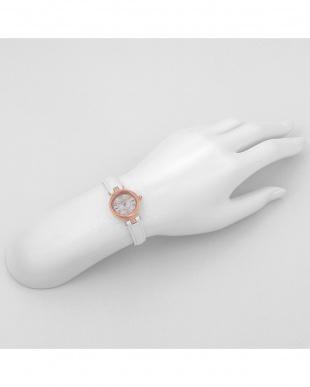 シルバーPWH HappyPrism 腕時計見る