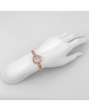 シルバーPG PureAngel 腕時計見る