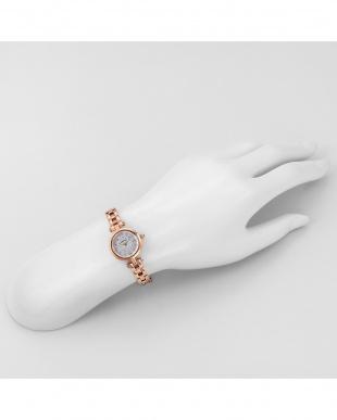ホワイトパールPG SunnyDream 腕時計見る