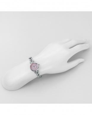 ホワイトパールSS SunnyDream 腕時計見る
