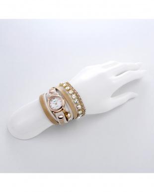 ホワイト CRYSTALCHAINWATCH 腕時計見る