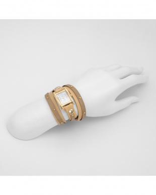 ホワイト STUDLAYERWATCHES 腕時計見る