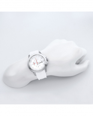 ホワイト DOME 腕時計見る
