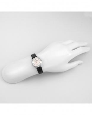 シルバー HIGHGATE レザーバンド腕時計見る