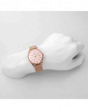 ピンク SHOREDITCH ステンレスバンド腕時計見る