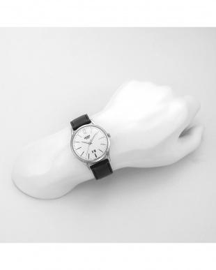 シルバー EDGWARE レザーバンド腕時計見る