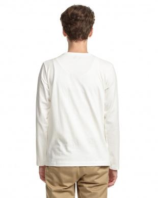 WHITE  ロゴ長袖Tシャツ|MEN見る