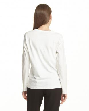 WHITE  裾プリント長袖Tシャツ|WOMEN見る