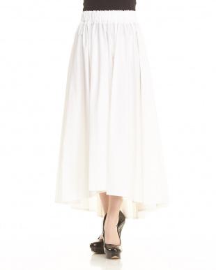 白 コットンシルクギャザーフレアスカート見る