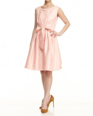 ピンク  ウエストリボン付ドレス見る