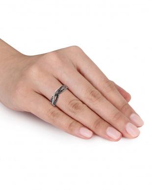 ブラック&ホワイトダイヤモンド(0.33ct) クロスオーバーリング見る