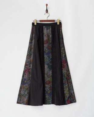 BLACK  フラワーダンガリーロングスカート見る