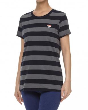 チャコール系 ハート刺繍RUGBY Tシャツ見る