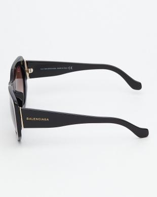 ブラック  BA18F 変形フレームサングラス見る