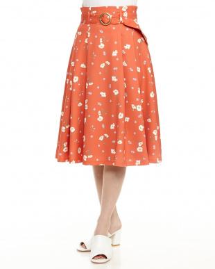 オレンジ 花柄ミディスカート見る