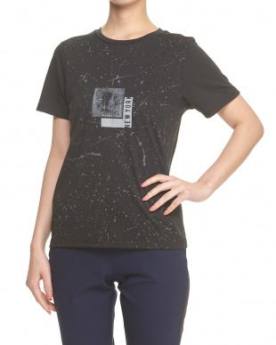 ブラック  グラフィックTシャツ見る