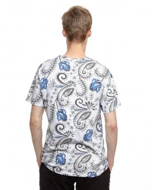 ブルー ペイズリーフラワープリントTシャツ見る