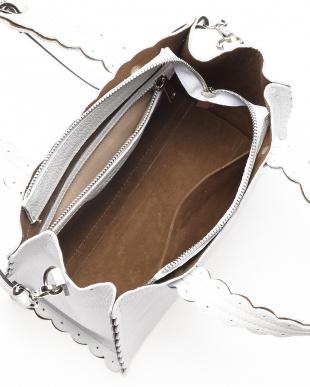 ホワイト  フリルカットデザインバッグ見る