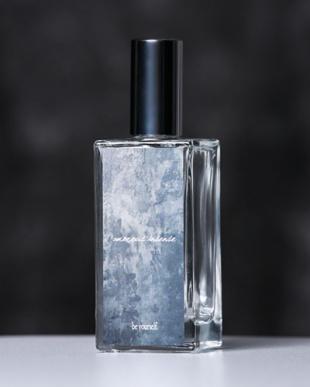 ブラック amorous insense 香水見る
