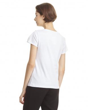 ホワイト Tシャツ リボンコサージュ付見る