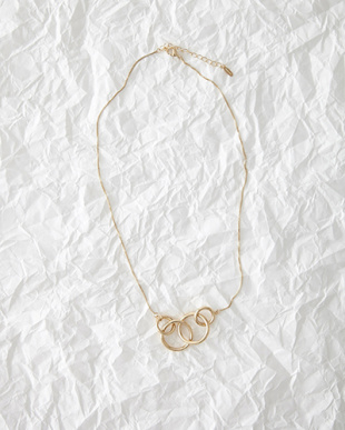 Gold  ring necklace見る